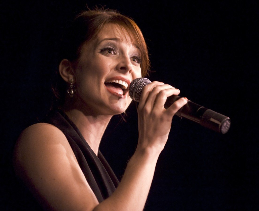 Gia Mora Singer